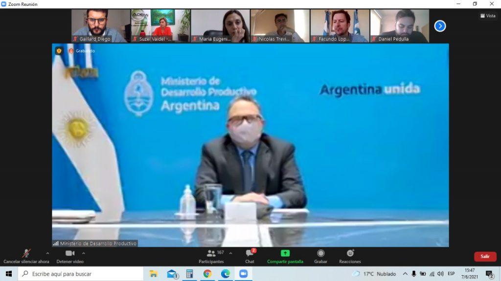 Matias Kulfas, ministro de la Producción, anunciando la aprobación del programa. - Dirección de Producción